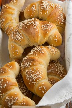Tort śmietankowy z musem brzoskwiniowym… Bread Bun, Bread Rolls, Healthy Bread Recipes, Cooking Recipes, Country Bread, Bread And Pastries, Polish Recipes, Recipes From Heaven, Sweet Bread