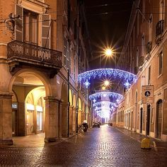 Natale a Modena - Instagram by @alessandrodellacasa