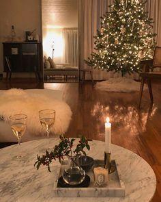 Home Interior Design, Interior And Exterior, Christmas Mood, Xmas, Merry Christmas, Dream Apartment, Christmas Aesthetic, Christmas Decorations, Holiday Decor