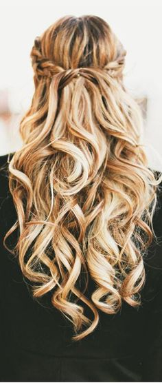 Beautiful half up hairdo | Curly Hair | Blonde Hair | Long Hair |