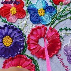 Embroider pillowIn this tutorial I will show you step by step how to embroider pillows. I hope you enjoy it. , , , , artesdeolga artesdolga bordado bordados ideas hair accessories diy ribbon for Hand Embroidery Patterns Flowers, Basic Embroidery Stitches, Hand Embroidery Videos, Embroidery Stitches Tutorial, Embroidery Flowers Pattern, Creative Embroidery, Learn Embroidery, Silk Ribbon Embroidery, Crewel Embroidery