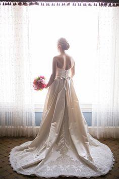 A Stunning Bride To Be Wedding Planner Elegant Aura Venue State Room Photographer