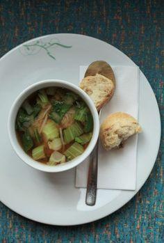 Miso Suppe (vegan, mit Soja). Ob bei schönem Wetter oder kalten Grautagen - unsere täglich wechselnden Suppen passen immer. Übrigens: Unsere Tagessuppe servieren wir euch direkt an der Kasse.   Mehr von tibits gibts auf: - https://www.facebook.com/tibits.ch - https://twitter.com/tibitsCH  Wir freuen uns auf euren Besuch! :D