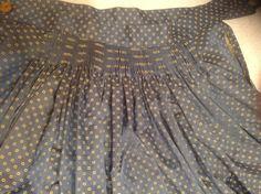 Detalle frunce trasero falda de baturra