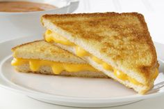 10 Grilled Cheese Recipes -- When it comes to sandwiches, grilled cheese recipes are up there with the best! Bonus--they can be enjoyed in a variety of ways. Check out these 10 recipes. Kraft Foods, Kraft Recipes, Lunch Recipes, Healthy Recipes, Yummy Recipes, Recipies, Perfect Grilled Cheese, Making Grilled Cheese, Grill Cheese Sandwich Recipes