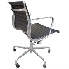 Charles And Ray Eames Office Chair / Desk Chair - Eames Group Management Herman Miller American Mid-Century Modern Metal, Aluminum, Leather Adirondack Chair Cushions, Polywood Adirondack Chairs, Outdoor Lounge Chair Cushions, White Leather Dining Chairs, Wooden Dining Room Chairs, Metal Chairs, Heavy Duty Beach Chairs, Eames Chairs, Desk Chairs