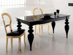 Abbinare tavolo e sedie - Nero e oro