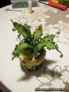 Комнатный папоротник из гофрированной бумаги. Папоротник называют раритетным растением, на земле это удивительной красоты растение было одним из первых
