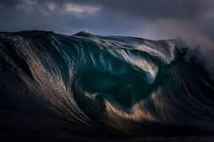 Amazing wave photos by Ray Collins