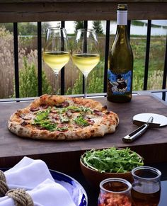 Another beautiful day! ☀️ It was so nice to have my mom & dad sit in our driveway while we made them pizza! Always nice to see them! 💕 (Highlights in the stories)  This was our pizza as the sun was slowly beginning to set. Delicious pizza, fantastic wine 🥂and the best companion ever! 👩❤️👨 ... thanks Elaine! 💞 Hope y'all had a wonderful day! Spicy Sausage, Arugula, Alcoholic Drinks, Trust, Highlights, Stuffed Mushrooms, Pizza, Sun, Nice