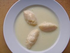 Buttermilchsuppe mit Grießklößchen, ein gutes Rezept aus der Kategorie Spezial. Bewertungen: 7. Durchschnitt: Ø 3,8. Butter, Dumplings, No Bake Desserts, Cheeseburger Chowder, Mashed Potatoes, Food And Drink, Soup, Pudding, Ice Cream