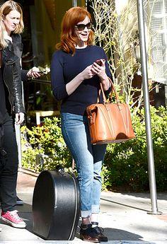 I'm loving Christina Hendricks handbag, simple-elegance