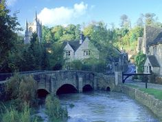 Picturesque Cotswold's village of Castle Combe, England, GB Places Around The World, Oh The Places You'll Go, Places To Travel, Places To Visit, Cotswold Villages, Castle Combe, English Village, English Cottages, England And Scotland
