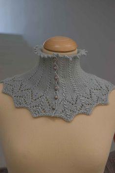 Ravelry: Pudorosa neckwarmer by Lia Moya