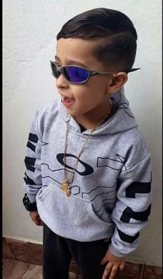 ke chave kk $❤ Young Cute Boys, Tumblr Boys, Kids And Parenting, Kids Boys, Little Boys, Cool Kids, Cute Pictures, Street Wear, Baby Boy