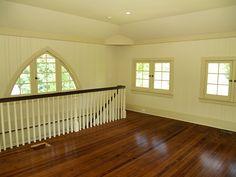 Garage Apartment: Stairwell