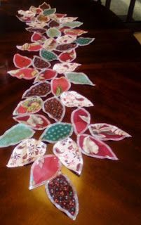 Leaf Table Runner Serger Project -love both the artistic value and use of scraps Serger Sewing Projects, Scrap Fabric Projects, Knitting Projects, Sewing Hacks, Sewing Tutorials, Sewing Crafts, Sewing Patterns, Sewing School, Quilted Table Runners