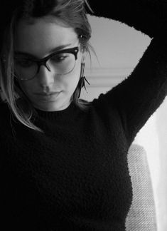 Beautiful Celebrities, Most Beautiful Women, Spanish Actress, Black And White Portraits, Girls With Glasses, Poses, Photos Of Women, Gal Gadot, Beauty Photography
