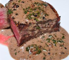 Discover recipes, home ideas, style inspiration and other ideas to try. Steak Marinade Recipes, Flank Steak Recipes, Filet Mignon Sauce, Meat Recipes, Chicken Recipes, Sauce Au Poivre, Best Steak, Family Meals, Food Porn