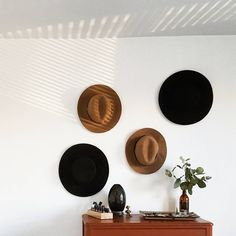 Love the natural light + hat collection. #gigipip