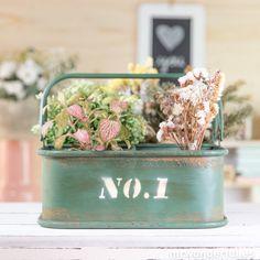 Caja metálica con separadores de color kaki #metallic #box #decoration