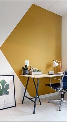Pouco tempo atrás era normal ter ou todas as paredes da mesma cor ou 1 (as vezes 2) paredes de uma cor diferente. Agora o que você vê em todo lugar é uma criatividade enorme na hora da pintura das paredes.  Vamos ver algumas? #cor #decoracao #paredes Living Room Paint, Living Room Decor, Kids Room Paint, Room Kids, Yellow Accent Walls, Gray Walls, Chevron Walls, Accent Wall Colors, Room Wall Painting