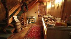 Der Frühstücksraum im Gatterhof in Riezlern im Kleinwalsertal - urgemütlich. Produkte aus der Region und dazu der Chef selber der Tips gibt Chef, Home Decor, Single Bedroom, Products, Ad Home, Decoration Home, Room Decor, Home Interior Design, Home Decoration