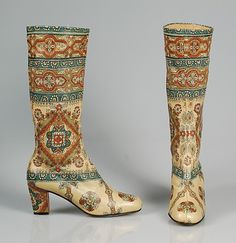 Beth Levine boots 1968 unique vintage fashion style 60s graphic novelty print indian boho ethnic white blue red brown