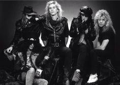 Axl Rose, Duff McKagan, Izzy Stradlin, Steven Adler, Slash