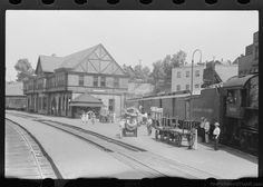 L:\Old Pictures Of The United States\States\Pennsylvania\Cities\ConnellsvilleRailroad depot, Connellsville, Pennsylvania.jpg