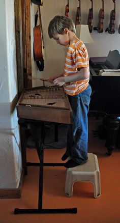 Playing The Hammer Dulcimer