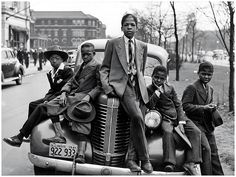 Sunday Morning On The South Side Of Chicago (1941)