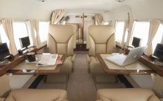 25 Amazing Private Jet Interiors: Step Inside The World's Most Luxurious Private Jets Jets Privés De Luxe, Luxury Jets, Luxury Private Jets, Helicopter Private, Luxury Helicopter, Private Plane, Cessna Caravan, Caravan Salon, Private Jet Interior