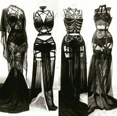 Gothic Outfits, Edgy Outfits, Mode Outfits, Fashion Outfits, Vampire Outfits, Vampire Dress, Fashion Tips, Fashion Mode, Dark Fashion