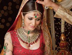 Bijoux orientaux pour mariage, weeding jewelry from woman and bride. Des bijoux de mariées originaux et chic pour mariage.