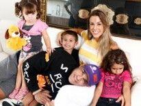 """""""Minha família é um presente de Deus"""", diz Joana Prado em entrevista exclusiva"""