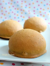 Oooh I always love the alluring fragrant of this coffee bun! It tasted so awfully good when its still warm, crusty cookie topping with butt...