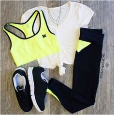 Cute and affordable workout clothes can be hard to come by when you're on a budget. These are the most affordable workout clothes and brands that are also great quality! Cute Workout Outfits, Workout Attire, Sporty Outfits, Athletic Outfits, Mode Outfits, Athletic Wear, Workout Wear, Fashion Outfits, Fashion Trends