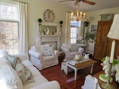 Arbor House Lane: Celebrating Spring in the House May 2014 Junk Chic Cottage, Cottage Style, Shabby Home, Shabby Chic, Cottage Living Rooms, Cottage Design, Modern Country, Dream Rooms, Living Room Inspiration