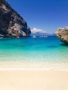 When I think of my trip to Sardinia, I think of the sun, hiking trails, beaches … - Travel Ideas 2019 Summer Decoration, Paradise Places, Sardinia Italy, Rome Travel, Travel Goals, Ocean Beach, Holiday Destinations, Beach Trip, Beach Travel