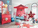 De nouvelles idées déco pour la chambre de votre enfant en voulez-vous ? En voila ! Pour fille, garçon, rose, bleue, verte, vintage, scandinave, décalées ou épurées, soyez inspiré(e)s par ces jolies chambres, idéales pour la rentrée des classes....