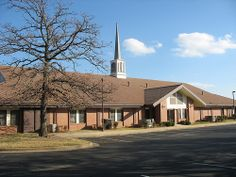Sapulpa, Oklahoma LDS Chapel / http://www.contactchristians.com/sapulpa-oklahoma-lds-chapel/