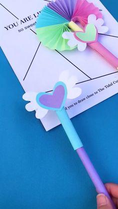 Master Bedroom Decorating Concepts - DIY Crown Molding Set Up Ventail Paper Crafts Origami, Diy Origami, Paper Crafts For Kids, Origami Tutorial, Simple Paper Crafts, Oragami, Cardboard Crafts, Diy Crafts Hacks, Diy Crafts For Gifts