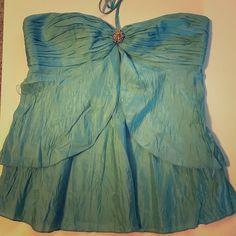 100%silk RobertRodriguez halter top. Size 6 silk halter top. Robert Rodriguez 100% silk. Beautiful & light weight. Robert Rodriguez Tops