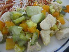 Pollo con verduras  Incluida en Recetas fáciles y saludables para mamás ocupadas  CocinandoConRoxy.com