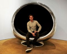 Ever stared out of your plane window at the jet engine and thought Hey, that thing would make an AWESOME chair! Well, the guys at UK-based furniture design company Fallen Furniture did, and the 737 Cowling Chair is the result. Furniture Making, Cool Furniture, Furniture Design, Chair Design, Vespa Roller, Aviation Furniture, Aviation Decor, Aircraft Parts, Canapé Design
