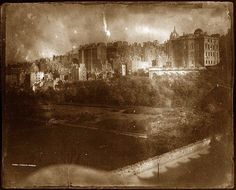 The Passion of Former Days: Edinburgh in Calotype,The Old Town, Old Town Edinburgh, Edinburgh Scotland, Grey Wallpaper Iphone, Louis Daguerre, History Of Photography, Vintage Photography, Castle Rock, City Landscape, Dieselpunk