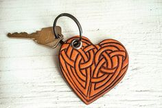 Celtic Heart keychain - Leather Key ring fob - Irish - Celtic Knot - Unisex, Pick your stain color and key ring Leather Carving, Leather Art, Custom Leather, Leather Tooling, Leather Jewelry, Beaded Jewelry, Celtic Heart, Celtic Knot, Celtic Crafts