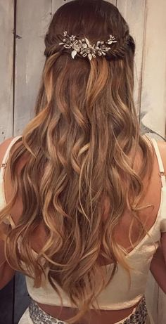 You can make sure that when you start using these hairstyles long s www.c The post can assure you that when you start to go with these hairstyles long s Appeared first on Win Fashion. Evening Hairstyles, Homecoming Hairstyles, Wedding Hairstyles, Face Shape Hairstyles, Down Hairstyles, Easy Hairstyles, Long Curly Haircuts, Haircut For Big Forehead, Long Hair With Bangs
