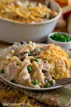 Turkey Tetrazzini - Leftover turkey, egg noodles, peas, mushrooms and a decadent cheesy cream sauce. So delicious!
